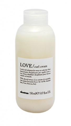 Davines Essential Haircare Love Curl Cream i gruppen Hår / Styling & Finish / Stylingcreme hos Hudotekets Webshop (51082)