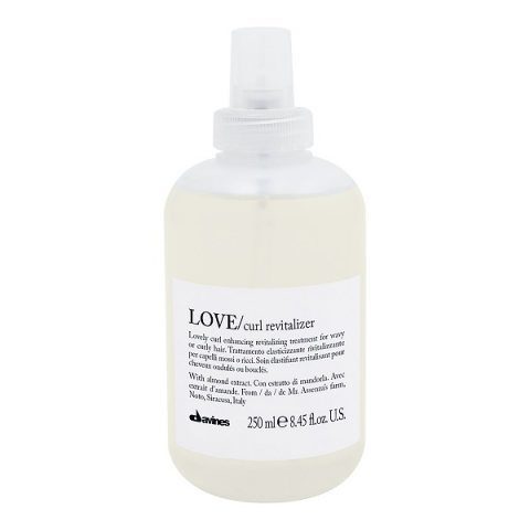 Davines Essential Haircare Love Curl Revitalizer i gruppen Hår / Styling & Finish / Stylingcreme hos Hudotekets Webshop (51099)