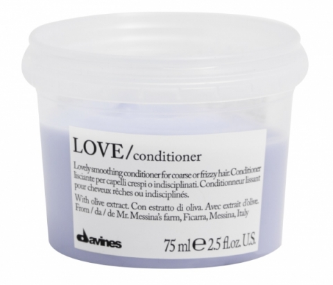 Davines Essential Haircare Love Smoothing Conditioner Travel Size i gruppen Hår / Balsam  / Balsam hos Hudotekets Webshop (51887)