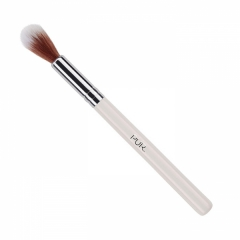 PÜR Airbrush Blurring Concealer Brush